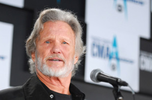 Kris Kristofferson The 40th Annual CMA Awards - Press Room Gaylord Entertainment Center Nashville, Tennessee United States November 6, 2006 Photo by Stephen Lovekin/WireImage.com  To license this image (11264121), contact WireImage: U.S. +1-212-686-8900 / U.K. +44-207-868-8940 / Australia +61-2-8262-9222 / Germany +49-40-320-05521 / Japan: +81-3-5464-7020 +1 212-686-8901 (fax) info@wireimage.com (e-mail) www.wireimage.com (web site)