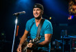 1035x645-20140729-lukebryan-1800-1406644318