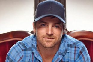 Meet-Kip-Moore-hard-driving-country-star-0G1FBGDP-x-large
