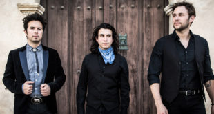 web-june2016-signing-the-last-bandoleros